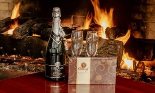 Celebration package - Champagne and glasses